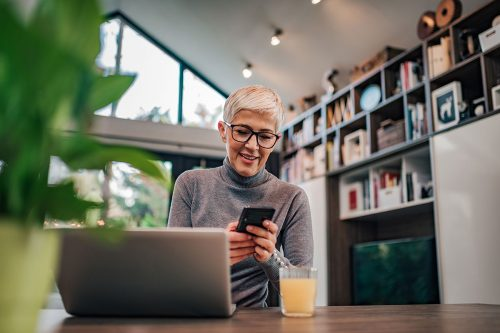 Managers (home office) must update the respective deadlines for the social security obligations for employees who are resident abroad and working from home.