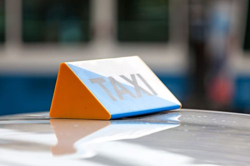 The Federal Administrative Court has ruled that a taxi firm based in Zurich must insure all its employees with the SVA because the drivers are classified as gainfully employed.